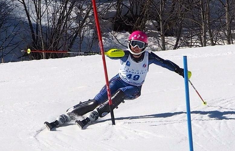 happy-women-mountains-skieuse-neige-challenge-moniteurs