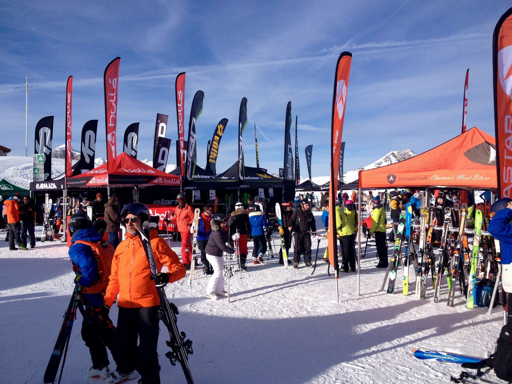 happy-women-mountain-femmes-montagne-skieuse-matériel-tests