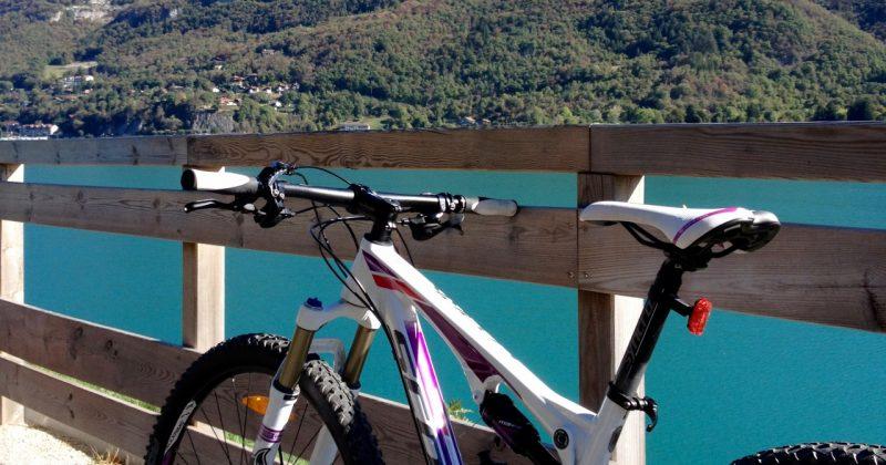 Tour du lac à vélo avec Snowflike Outdoor
