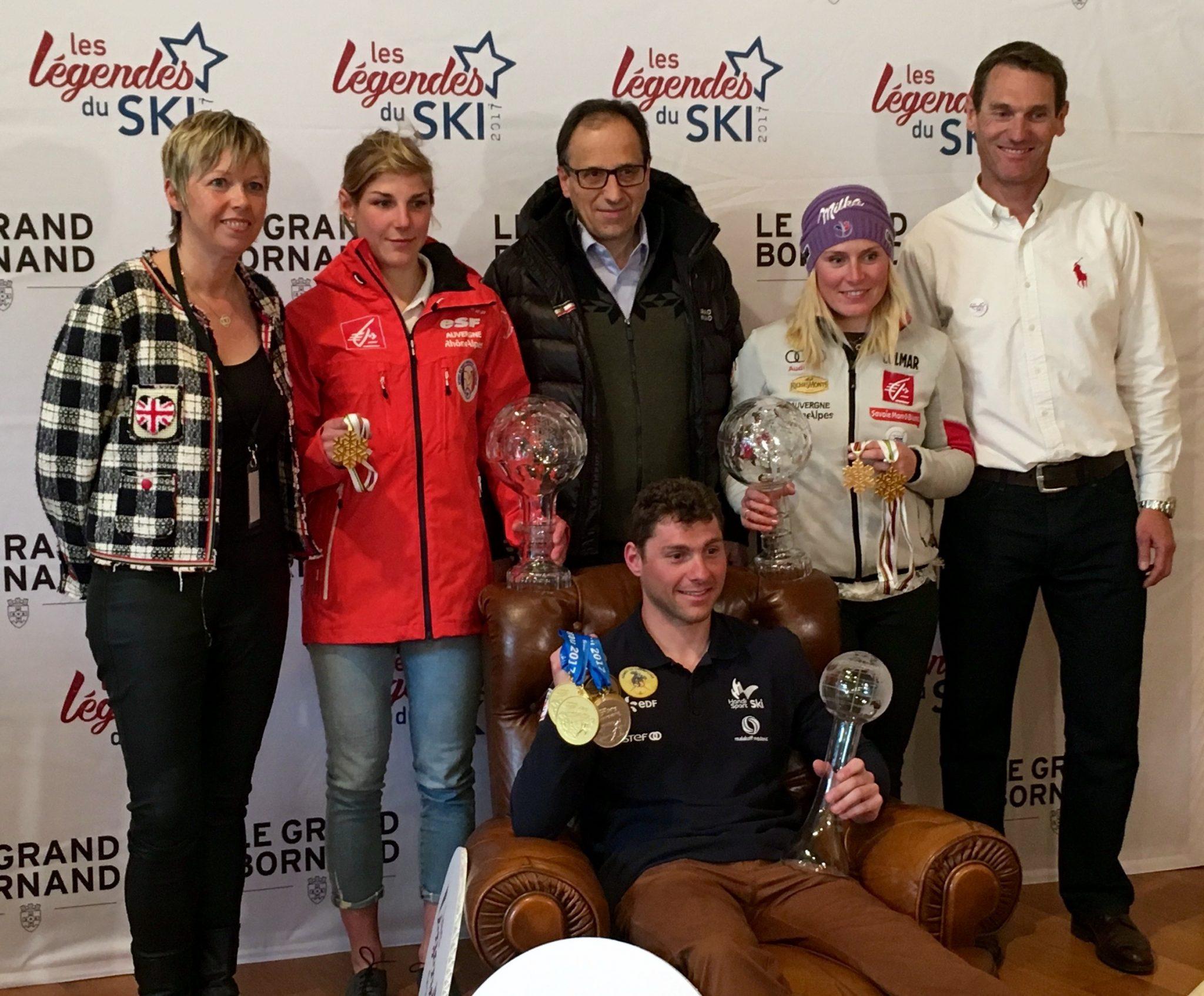 Les champions du Grand Bornand réunis en fin de saison pour célébrer leur brillants résultats de l'hiver.