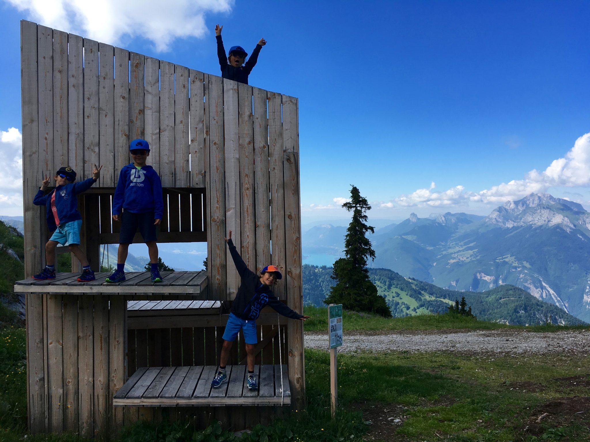 famille-enfants-jeux-activites-montagne