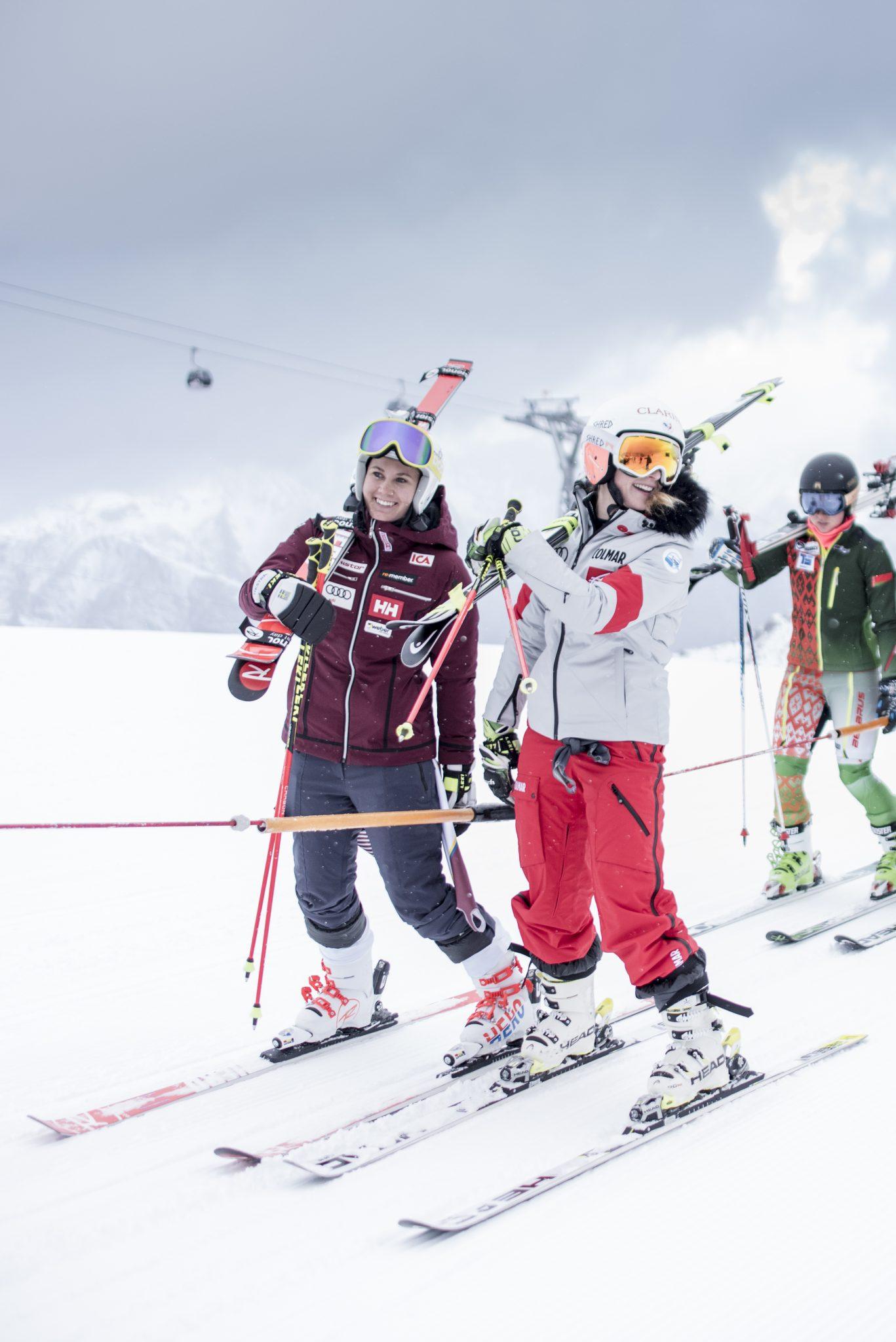 femme-skieuse-montagne-competition-coupe-du-monde-solden-2018