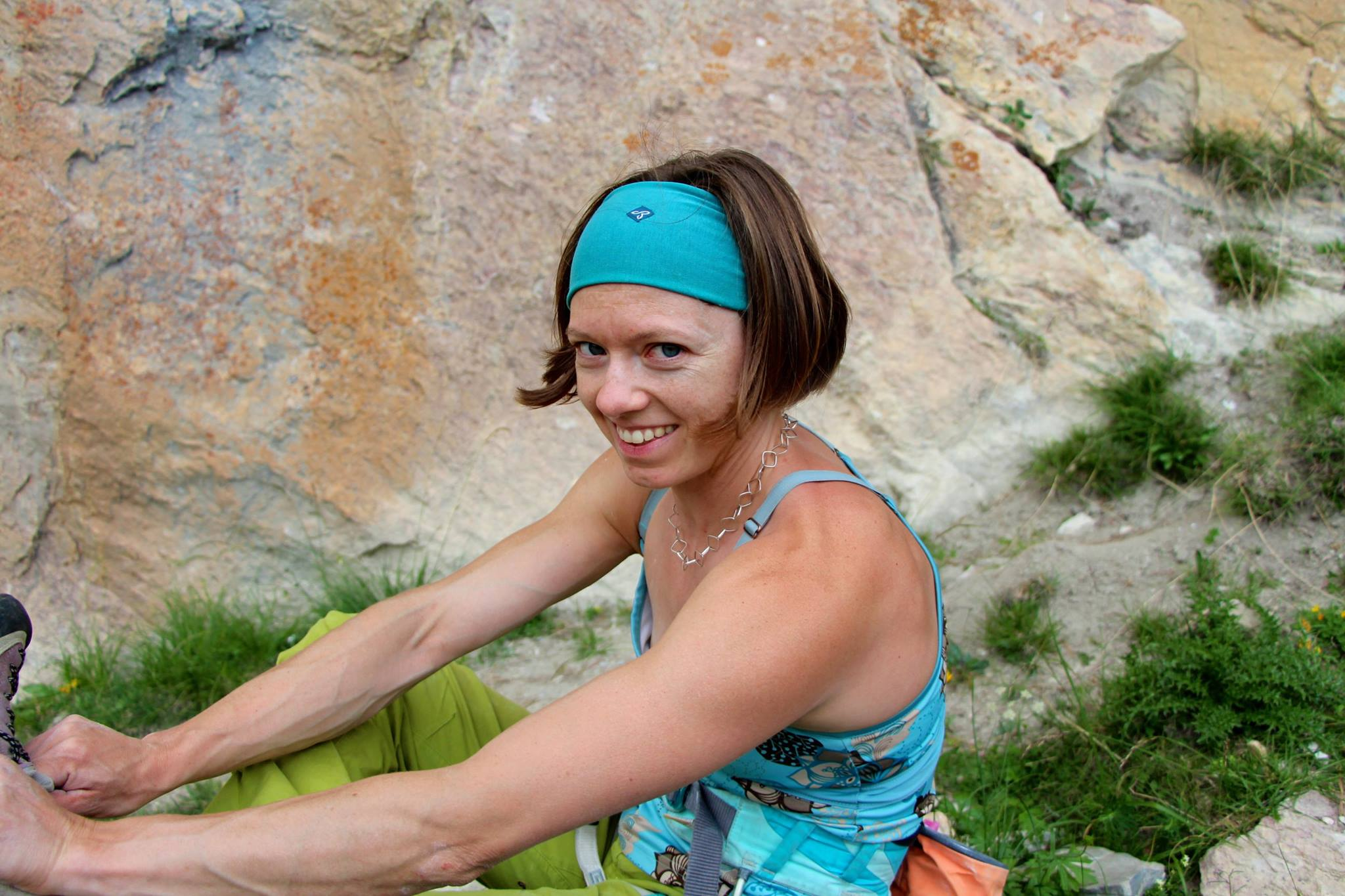 femmes-montagne-athlète-encadrement-stages-féminins-formation-guide-escalade-cascade-de-glace-cours