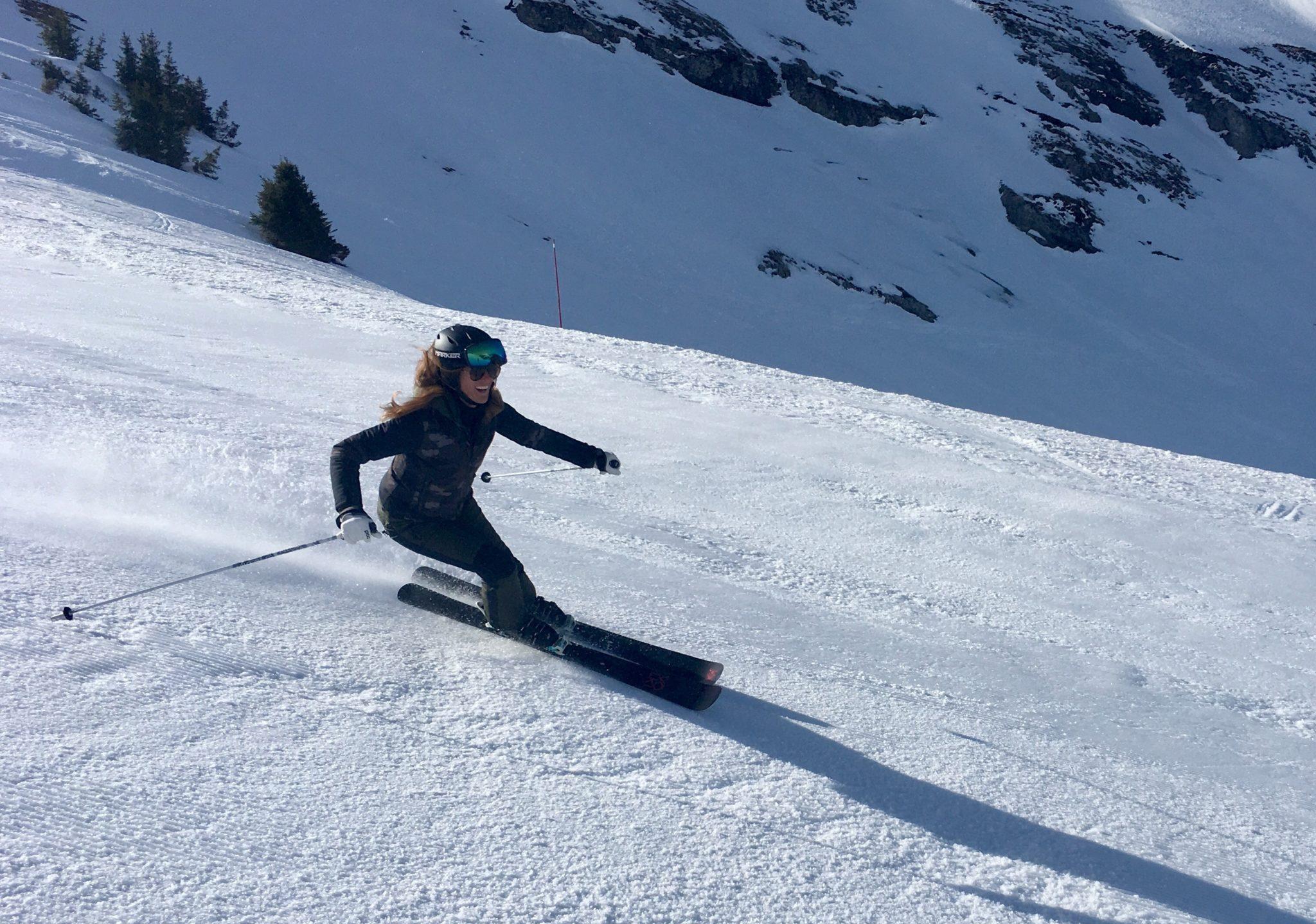 femme-montagne-la_clusaz-athlete-monitrice_de_ski