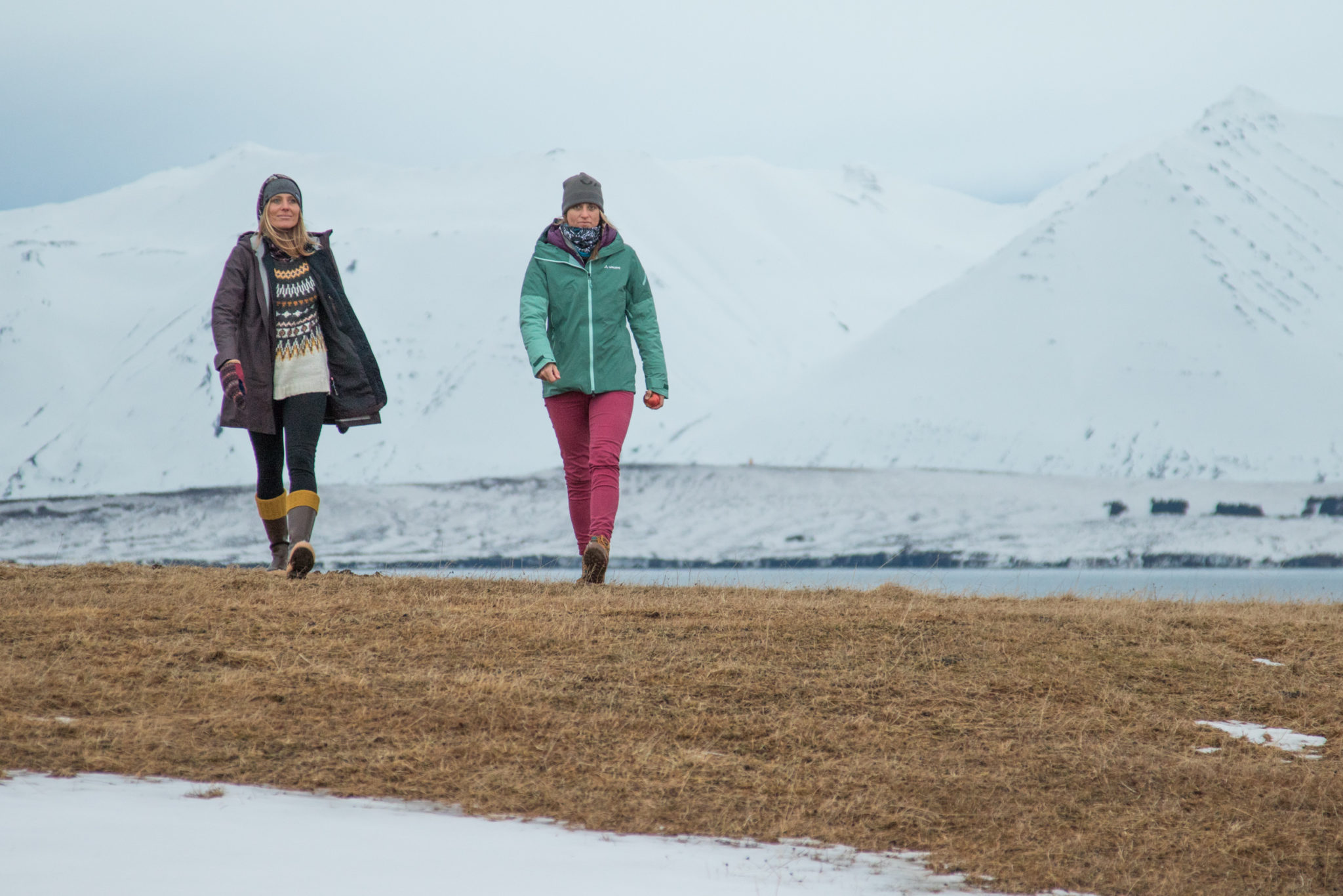 femmes-filles-snowboardeuses-splitboard-feminisme-film-engagé