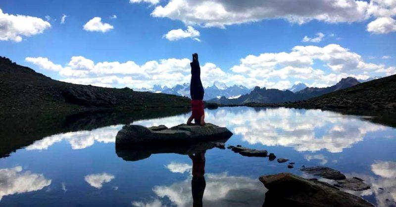 Envie de prendre soin de vous? Les séjours yoga et marche dans le Queyras avec Rachel sont faits pour vous!